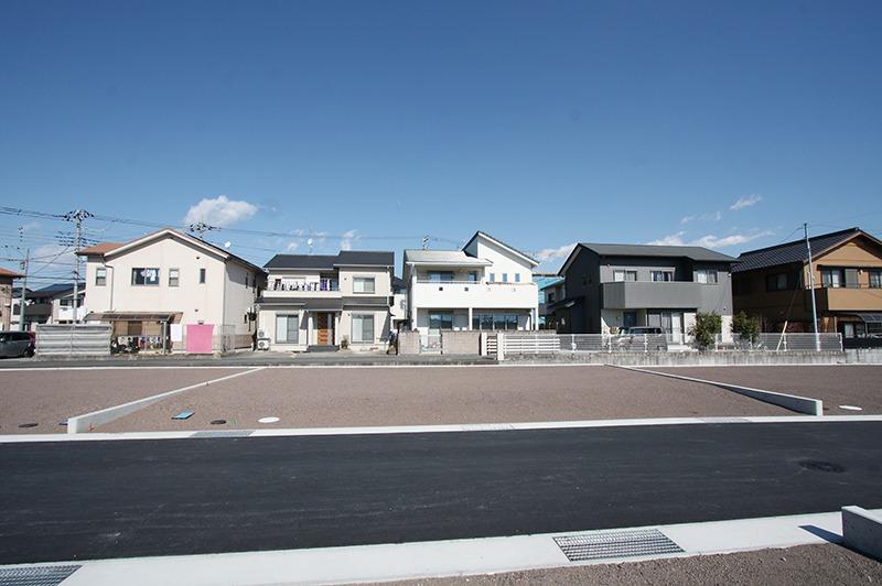 竪堀駅目の前で通勤・通学便利!恵まれた住環境。
