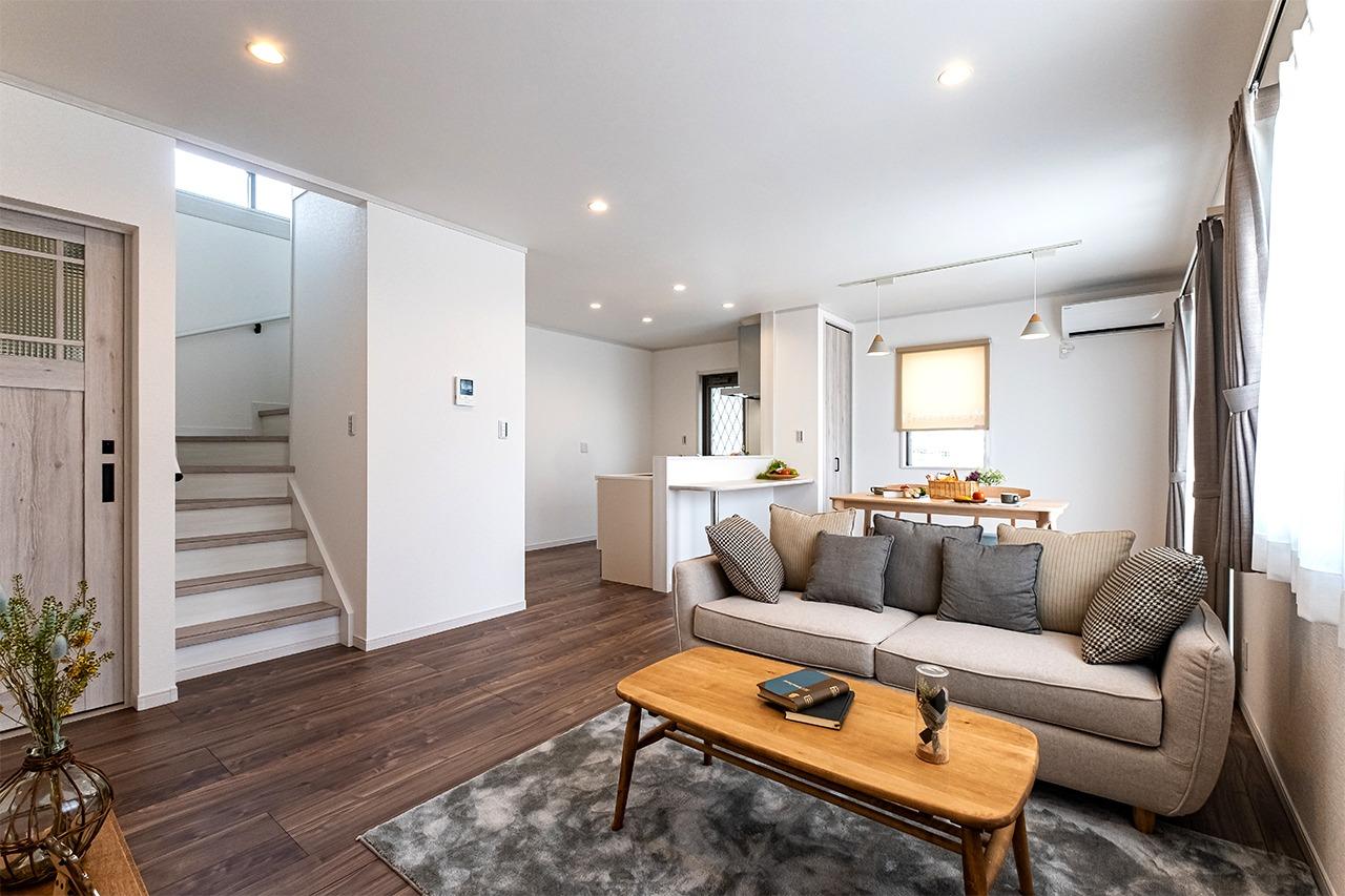 総額1,300万円台で建てた 家事ラク・定額制の30坪モデル