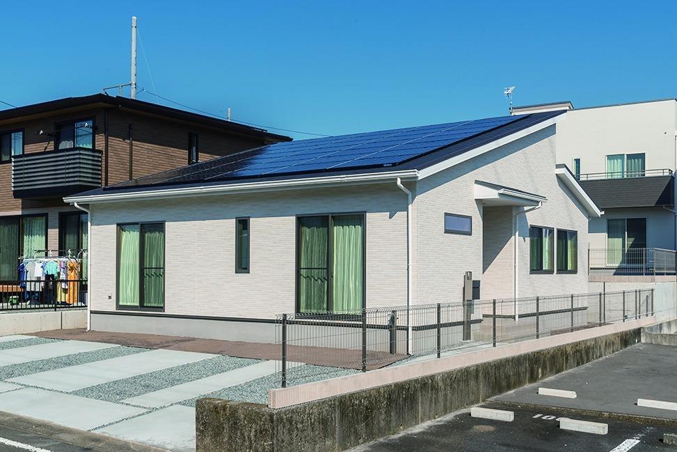 太陽光パネル10.675kw搭載 「小屋裏収納のある平屋の家」@富士宮市