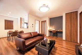 ヴィンテージ感あふれるブルックリンスタイル。全室遮音効果の高い異厚ガラスで外からの騒音をカット。